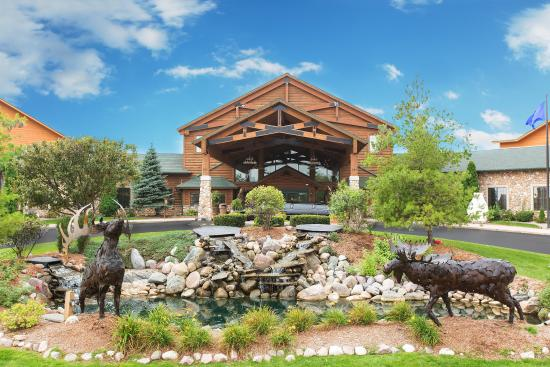 Tundra Lodge Resort Waterpark & Conference Center: Exterior