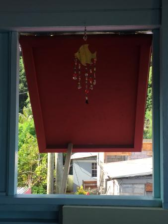 Veranda View Guest House: Lovely Crafts on terrace