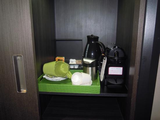 Arbor City Hotel : nespresso et bouilloire dans la chambre