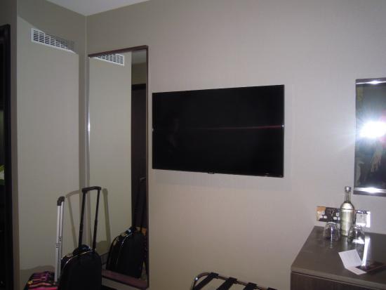 Arbor City Hotel : ecran tv