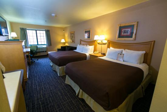 Tundra Lodge Resort Waterpark & Conference Center: Double Queen Suite