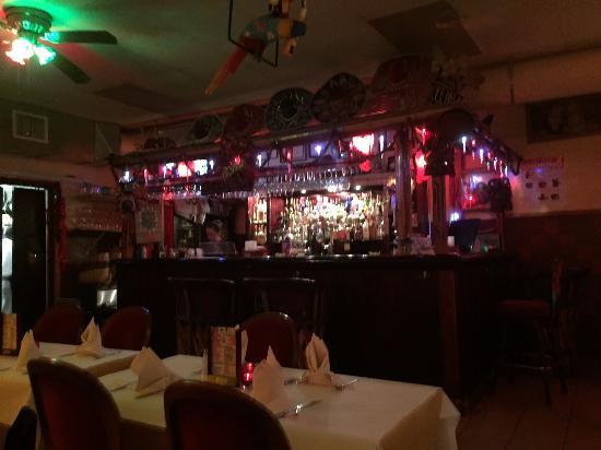Rubens Mexican Cafe: Bar