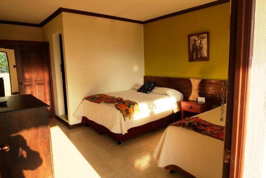Jardines del Lago: Room 205