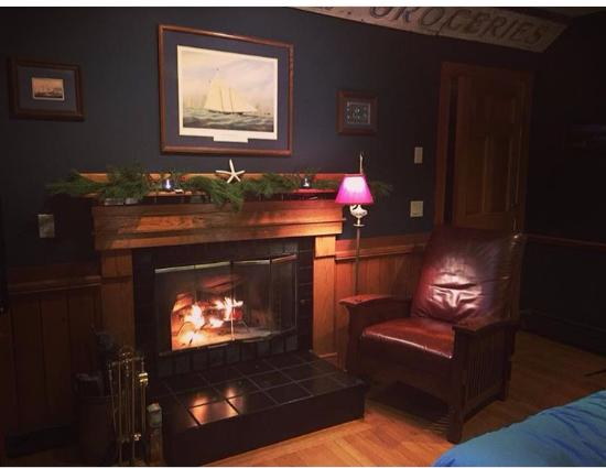 Ledyard, CT: Downeast Room - definitely our favorite!