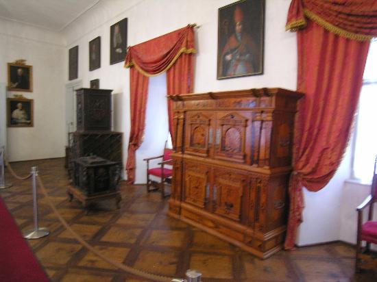 Le stanze arredate picture of castel thun ton tripadvisor for Stanze arredate