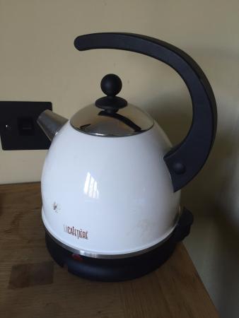 Hurley, UK: Modern kettle