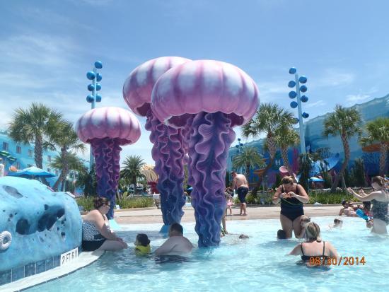 Disney's Art of Animation Resort: finding nemo pool