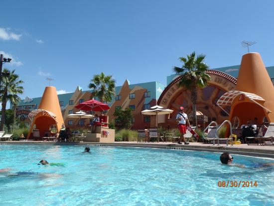Disney's Art of Animation Resort: cozy cone pool