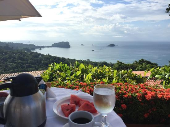 La Mariposa Hotel: Breakfast views..