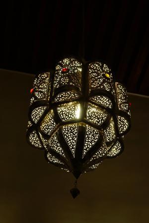 Riad Dar Tafilalet: Lights in the maMore lightsin area