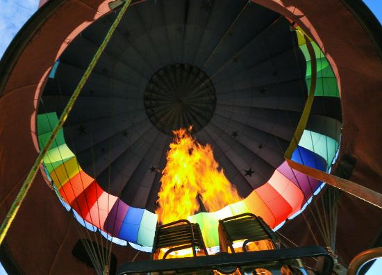 Balloons Over New England - Private Flights: Fire makes it fly.