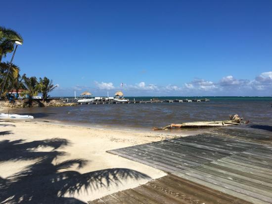 Las Terrazas Resort: Beach in front of Resort