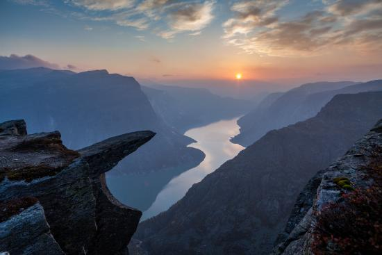 Tyssedal, Norwegen: Trolltunga sunset