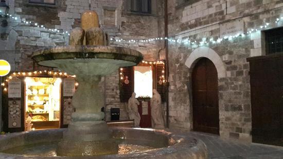 Fontana del Bargello: 20160109_170550_large.jpg