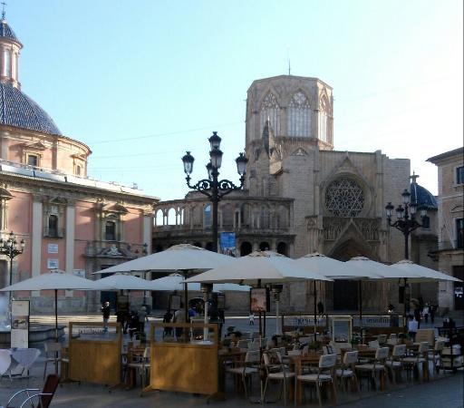 Plaza de la virgen picture of plaza de la virgen - Nice things valencia ...