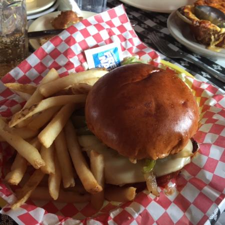 Dell Rhea's Chicken Basket: Italian Sausage Burger