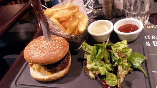 bbq burger photo de au bureau paris tripadvisor. Black Bedroom Furniture Sets. Home Design Ideas