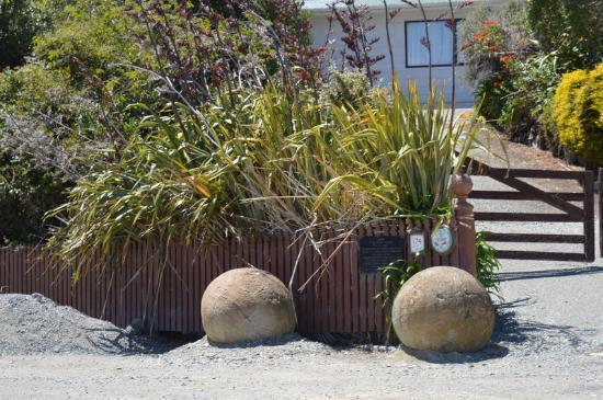 Moeraki, Nova Zelândia: At the end of the street