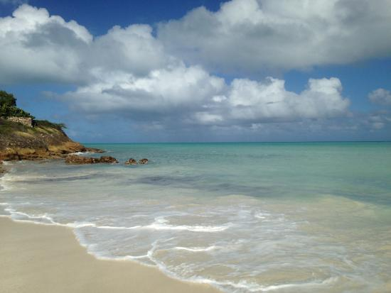 Buccaneer Beach Club: Beautiful beach and sea views just steps outside the Buccaneer gate.