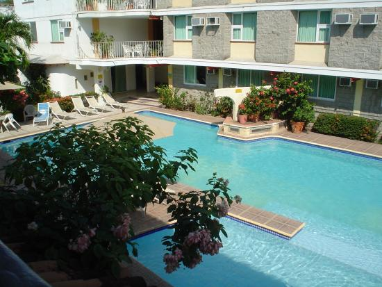 Vallartasol Hotel: view of pool