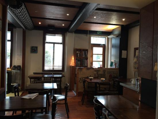 Gourmet Stay: dining room