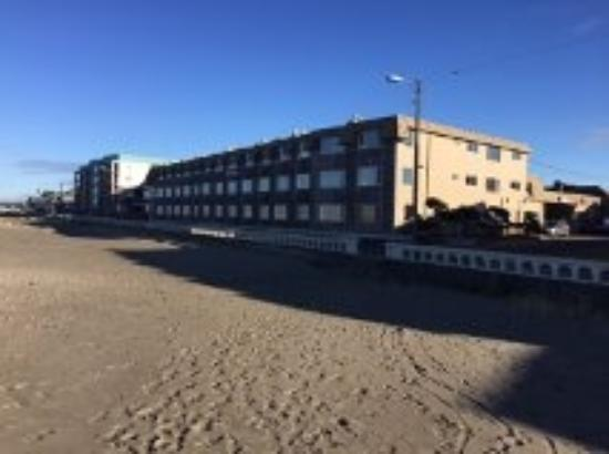 Ebb Tide Oceanfront Inn: exterior from beach front