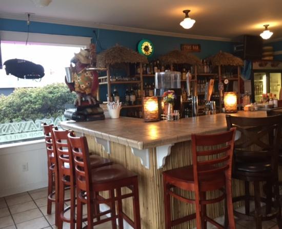 Long Beach, واشنطن: Bar area