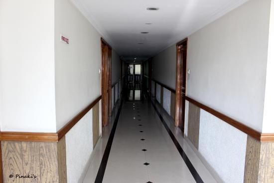 Hotel Fort Queen : Passage way