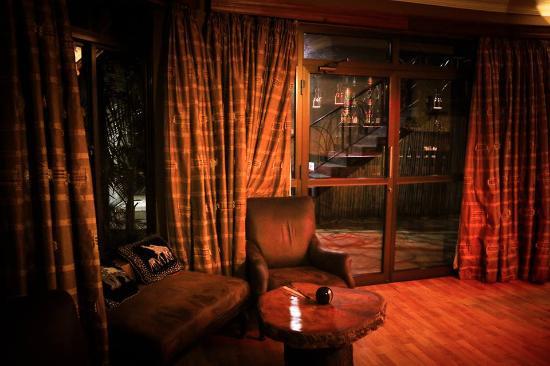 Zawadi House Lodge: Bar/Lounge