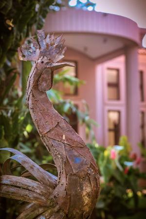 Zawadi House Lodge: Hotel & grounds