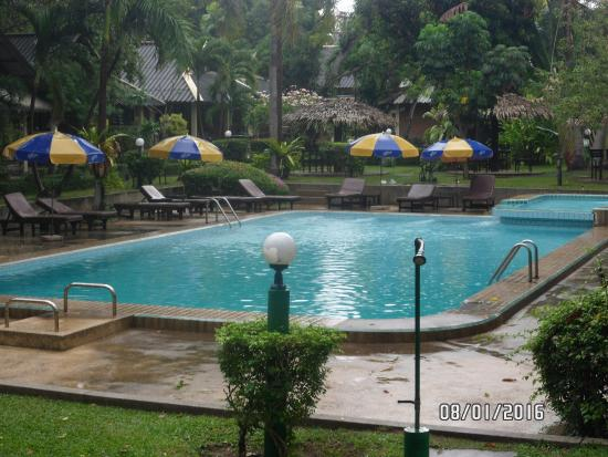 East Sea Resort Hotel: 2 бассейн
