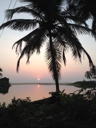 Kannur Beach House: Sunset