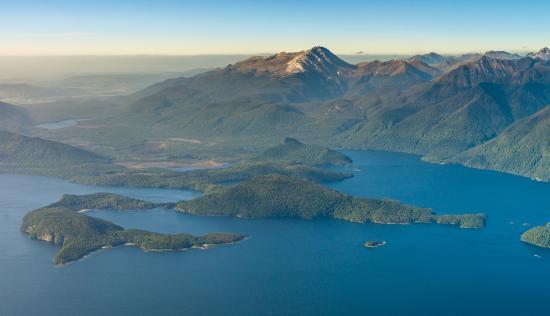 mount titiroa and lake manapouri picture of te anau helicopter rh tripadvisor com au