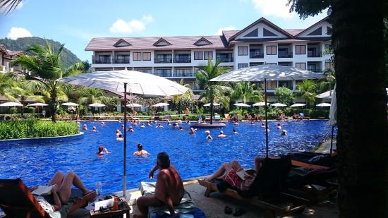 Kamala Beach Resort (a Sunprime Resort): Pool with water aerobics lesson