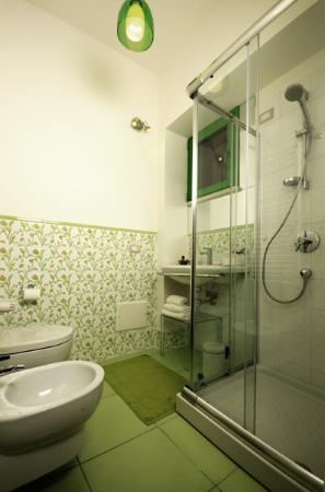 Bagno camera anni 50 foto di bedrooms b b pescara for Arredo bagno anni 50