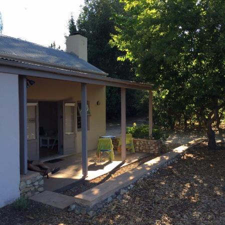 La Chataigne: Cottage Front porch