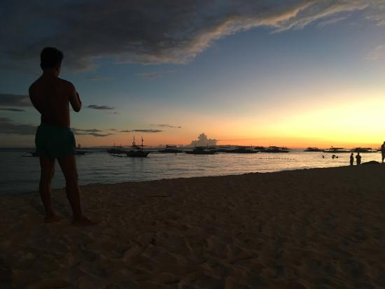 Alona Tropical Beach Resort: photo1.jpg