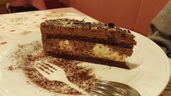 Varena, Italie : Torta di mousse al cioccolato