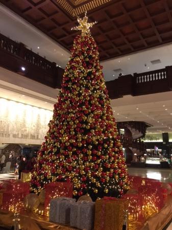 The Garden Hotel Guangzhou: Рождественская елка. 26 декабря 2015