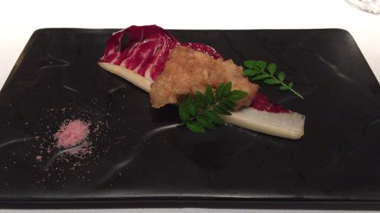 Restaurant Bron Ronnery: 器は和・洋あり、料理に合ったものがチョイスされる。