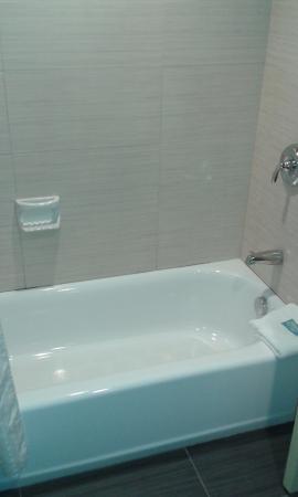 Peekskill, NY: baño con bañera