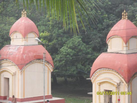 Suhasini Guest House: Jora Mandir