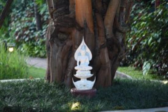 Saraphi, Tailandia: buddha image