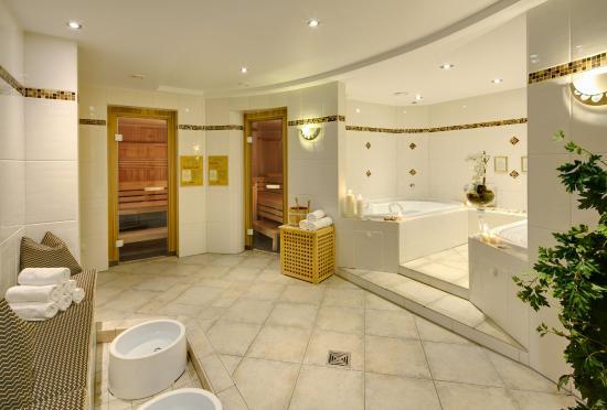 Nachrodt-Wiblingwerde, Deutschland: Wellnesshotel Sauerland Schloss Hotel Holzrichter