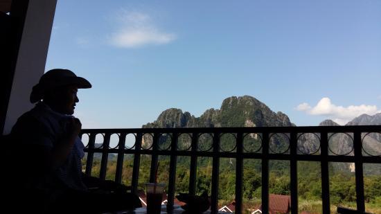 Domon Guesthouse: 방안에서 즐기는 풍경!