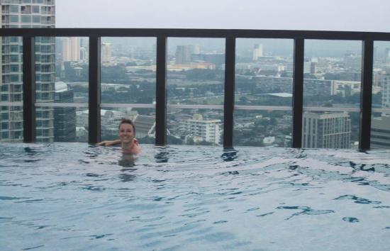 Urbana Langsuan: Rooftop pool
