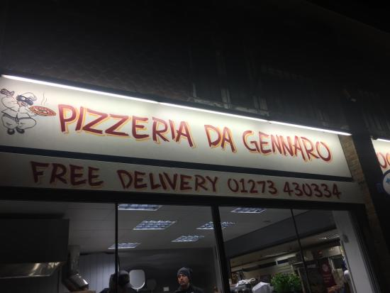 Brighton and Hove, UK: Pizzeria banner