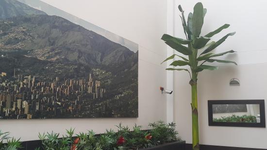 Hotel Acqua Medellin: Area Computadores