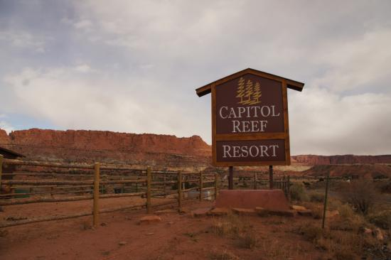 front of the hotel picture of capitol reef resort. Black Bedroom Furniture Sets. Home Design Ideas