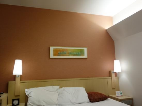 Richmond Hotel Aomori: モデレートシングルの間接照明